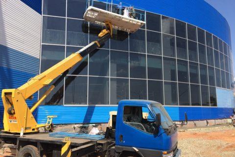 Аренда автовышки в Екатеринбурге для строительных и монтажных работ